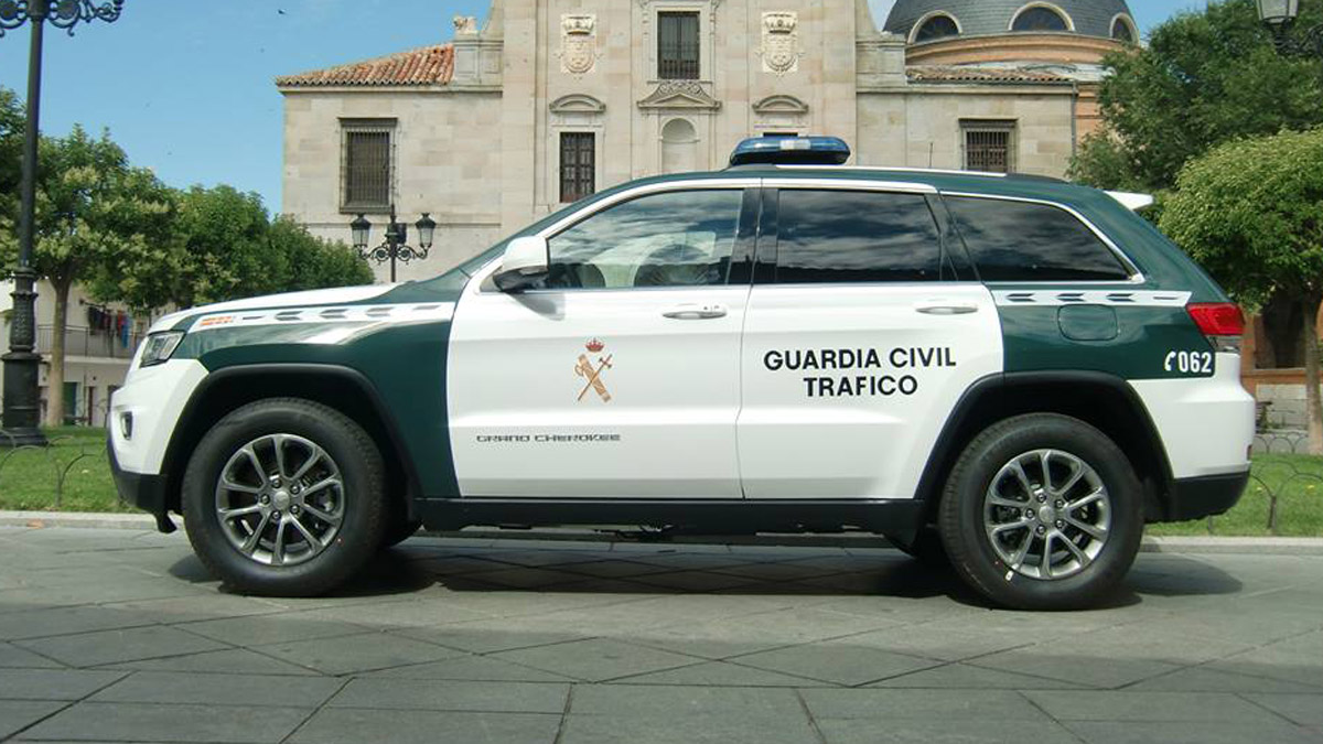 jeep_grand_cherokee_guardia_civil_3